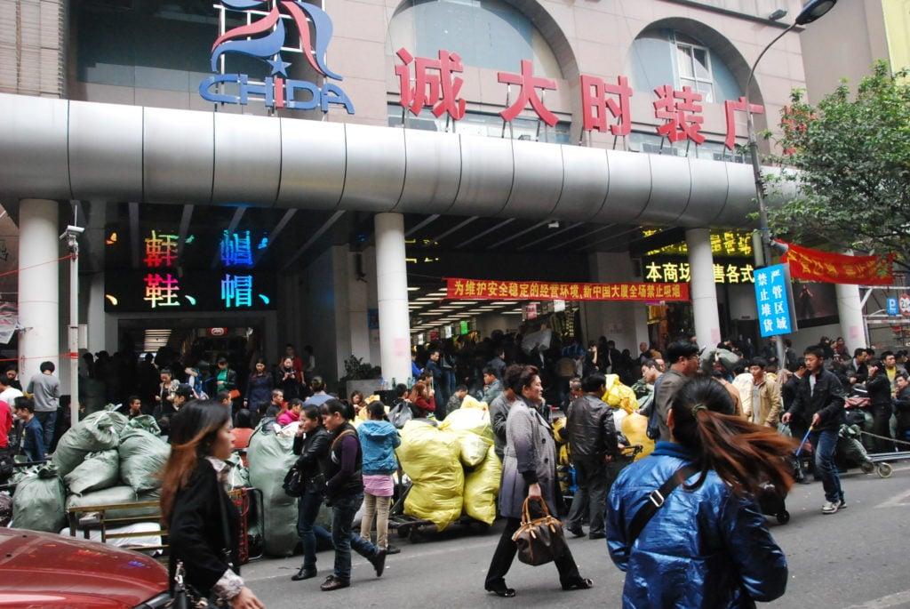 nhập khẩu hàng hóa từ Trung Quốc về Việt Nam
